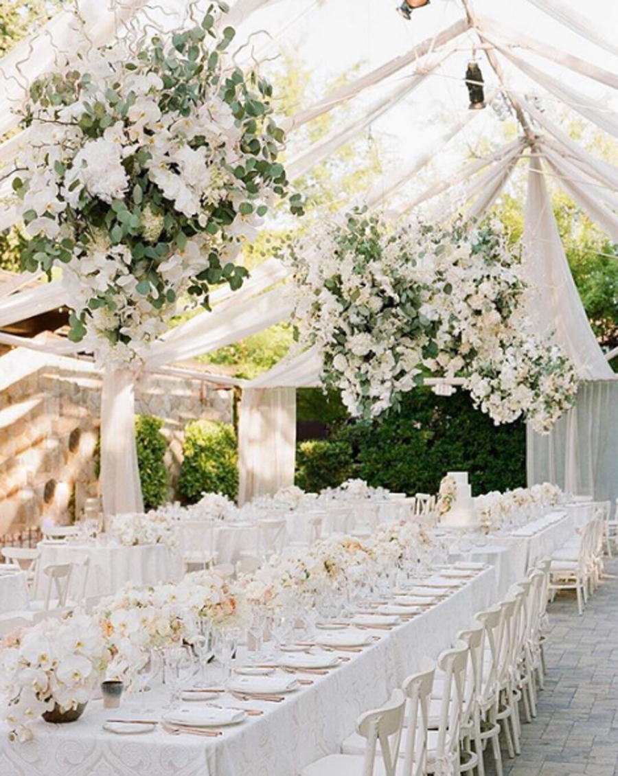 Gorgeously Breathtaking Ceiling Decorations for Wedding 9 Prettiest Ways To Use Drapes For Your Wedding